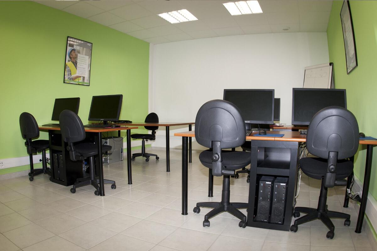 Centre de formation Oyonnax salle cours informatique